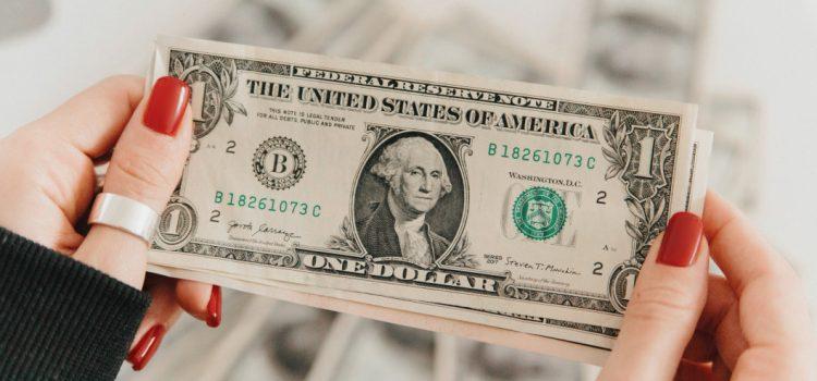 Acheter des dollars américains, pourquoi investir dans le billet vert ?