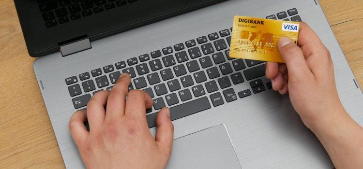 Le compte bancaire en ligne, une solution qui améliore votre vie financière